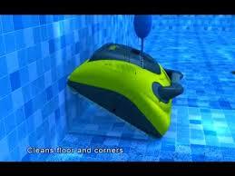 Hasznos dolog a medence tisztító robot